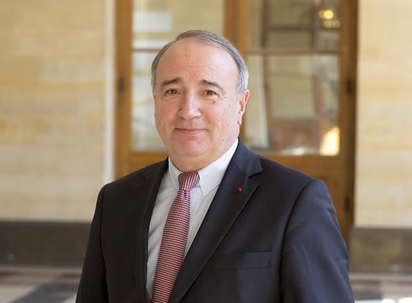Thierry de La Tour d'Artaise Président-Directeur Général du Groupe SEB