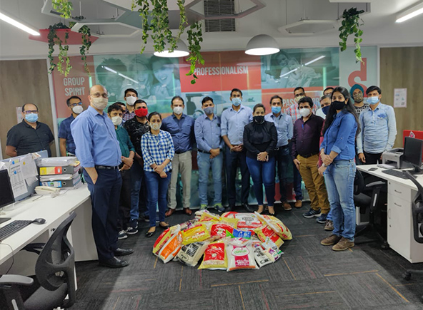Groupe SEB Inde lutte contre l'exclusion. Local team
